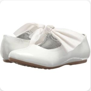 Kenneth Cole New York White Shoe Flower Girl NEW
